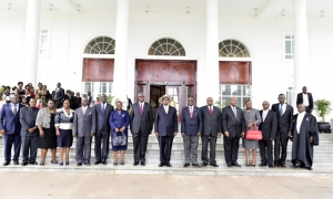 Newly appointed judges in a group photo with H.E the President of Uganda, Yoweri Kaguta Museveni at State House Entebbe on May 9, 2016 (PHOTO: PPU)