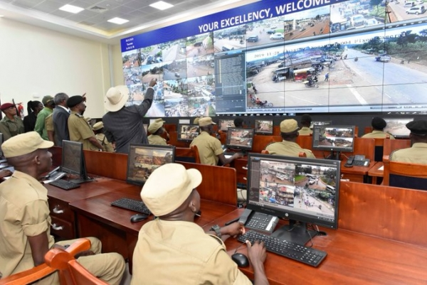 President Museveni at the CCTV Command Centre at the Uganda Police Headquarters in Naguru on 28th November 2019 (PHOTO: www.edge.ug)